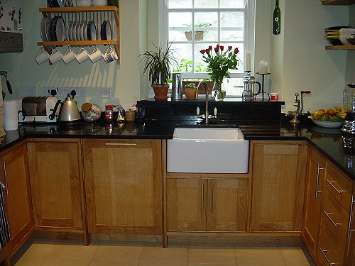 Oak and Granite Fitted Kitchen